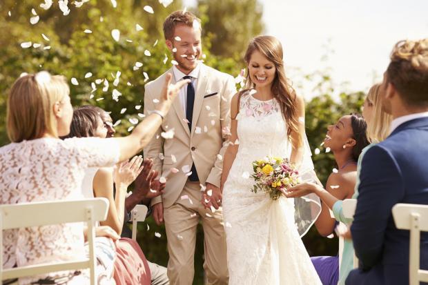 Comment réussir la sortie d'Eglise ou de Mairie pour votre mariage