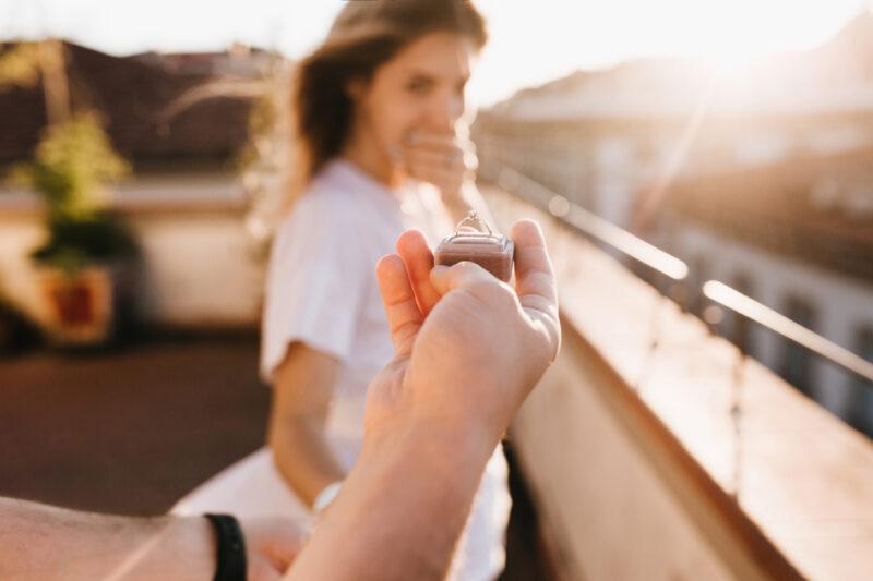 Nos conseils pour bien choisir une bague de fiançailles